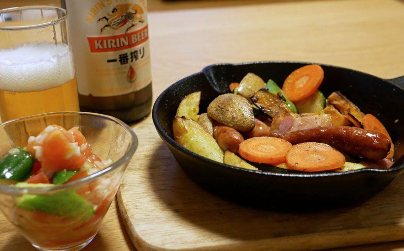 今夜の一献 スキレットでウインナー、野菜を焼く