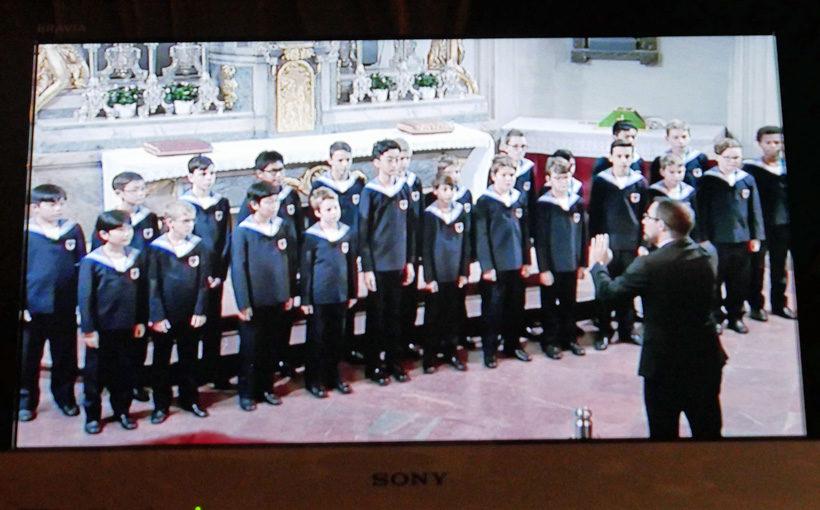 王宮礼拝堂でウイーン少年合唱団を聴く