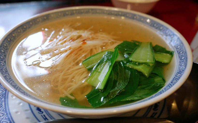 神戸・元町 順徳のネギ汁そば、青椒肉絲、炒飯