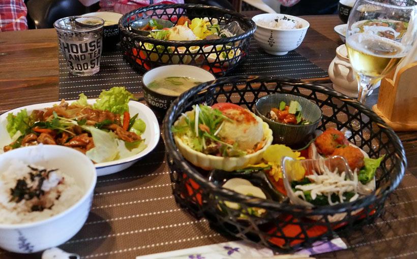 歩いて昼飯:食 高槻 希志庵の竹籠ランチ