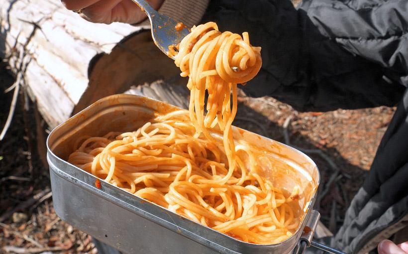 天狗杉の下で食べる ミート・スパゲッティ