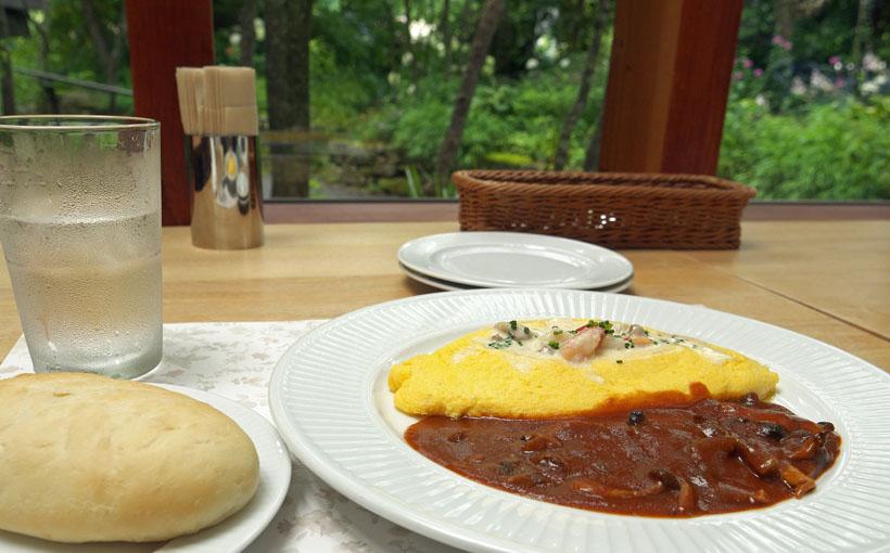 大阪・能勢 「野間の森 MIGIWA」のオムレットとスープ