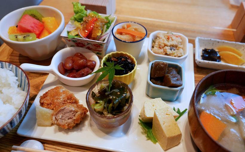 京都・三条 「きょうのおかず」のきょうのおかず盛り合わせ昼ご飯
